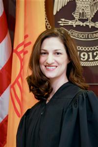 Juez Jennifer L. Attrep